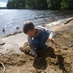 Loch Garten - play by the shore