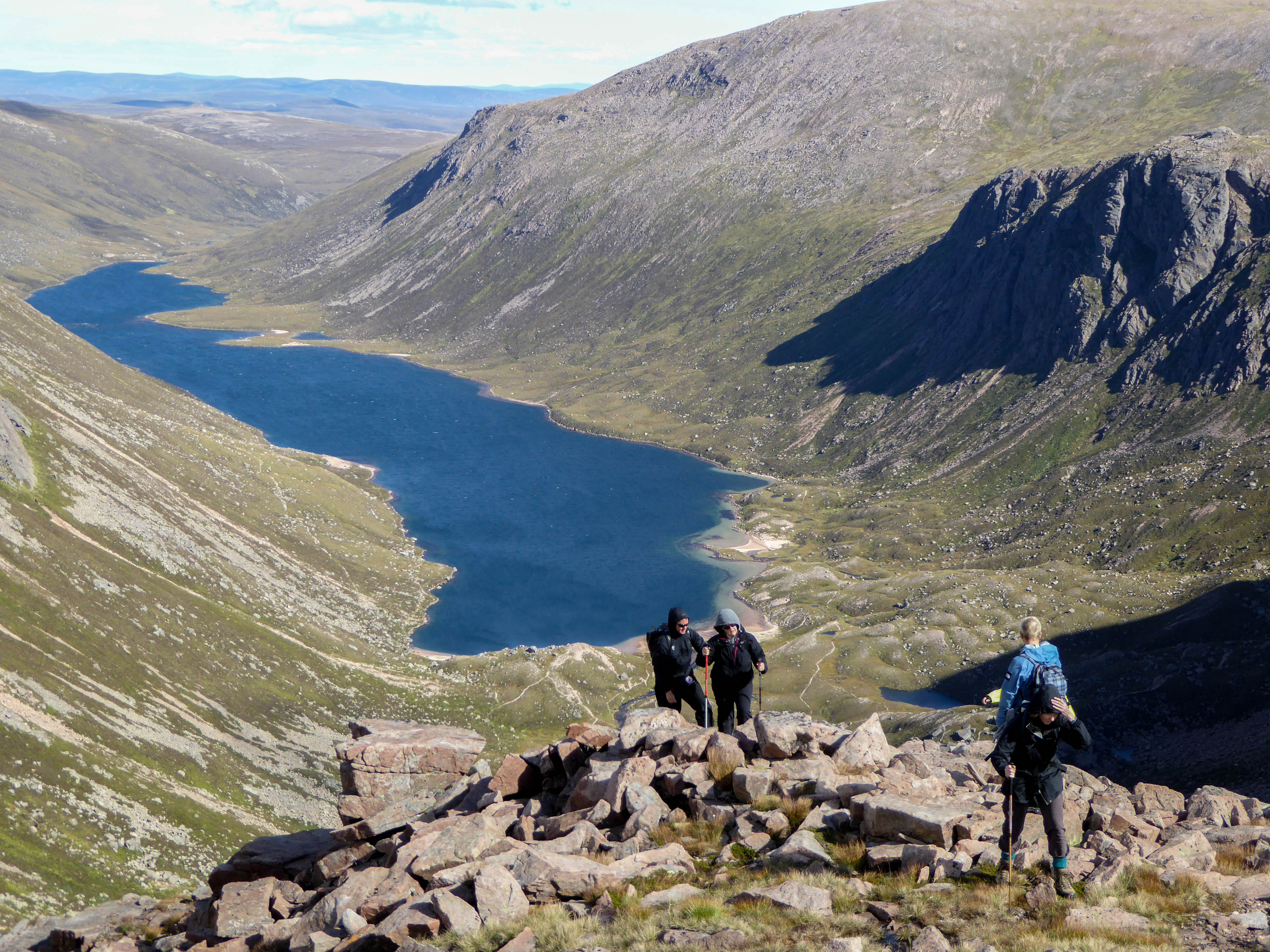 Group hiking with Scot Mountain Holidays